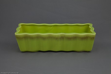 H2008 4 4 Crown Ceramics Yellow Green Wavy Edge